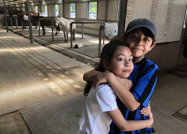 劉燁10歲兒子諾一近照曝光, 網友調侃: 越來越像陳冠希-圖7