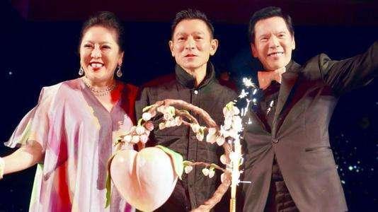 他是香港的大佬, 向華強70大壽都不來, 劉德華演唱會卻多次到場!-圖4