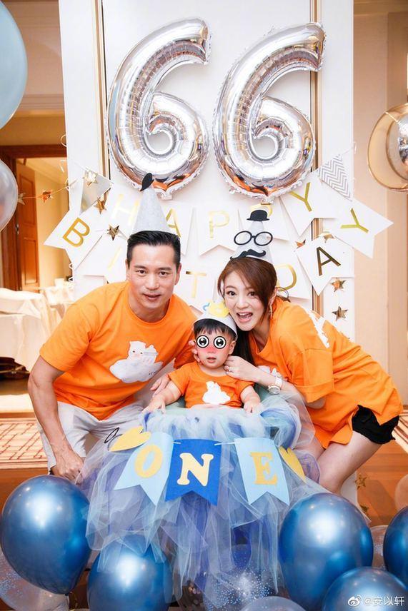 40歲安以軒宣佈封肚 二胎女兒顏值超高比親媽美-圖2