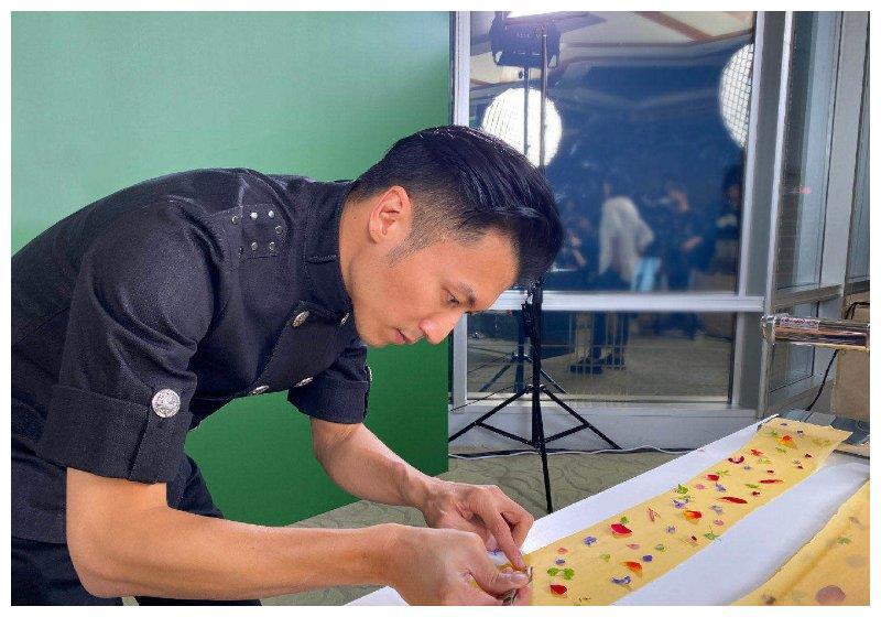 """不想當廚子的明星不是好歌手, 謝霆鋒再獲""""米其林之友""""榮譽-圖1"""