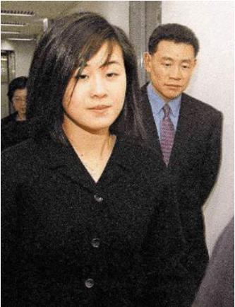 5次拒絕劉鑾雄的求婚, 卻甘願為60歲富翁生孩子, 她到底圖什麼?-圖8