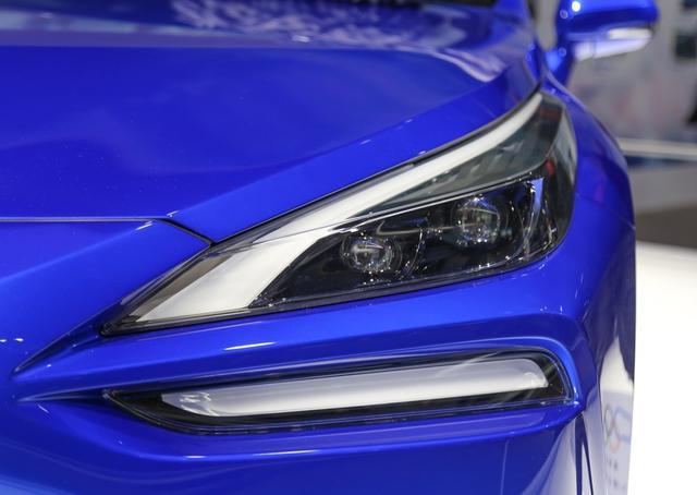 豐田全新B級車曝光, 比雷克薩斯ES更寬, 配一體式貫穿大屏-圖5