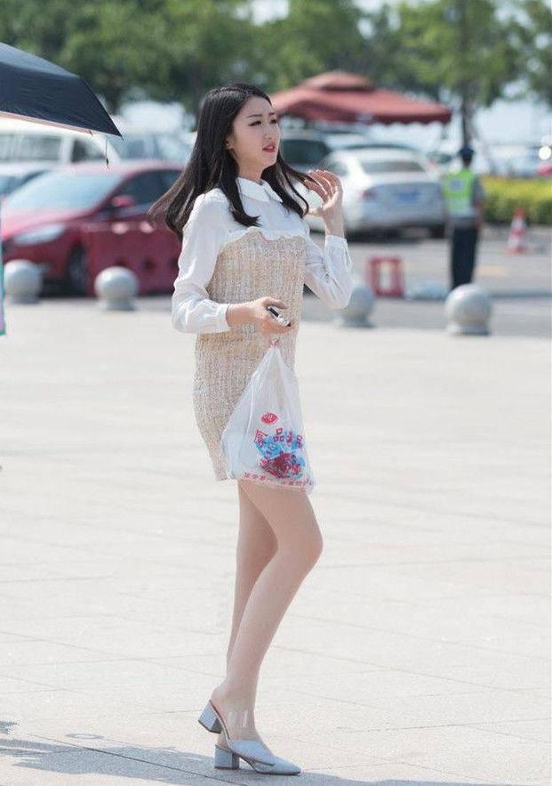 街拍: 身材完美的小姐姐, 走在步行街上, 永遠是王者風范-圖3
