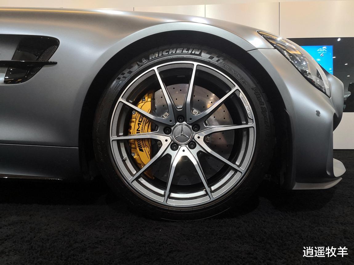 2019款奔馳AMG-GTR(啞光灰)解析: 它不愧是一臺婀娜多姿的轎跑車-圖5