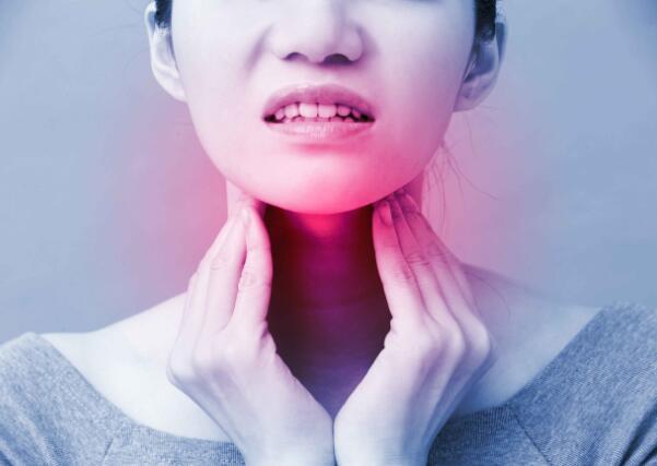 身體出現這5種癥狀時,或意味著甲狀腺功能出問題瞭,及時檢查-圖2