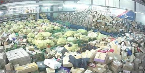韓國快遞員調查: 一天工作18小時, 今年8名快遞員過勞死-圖3