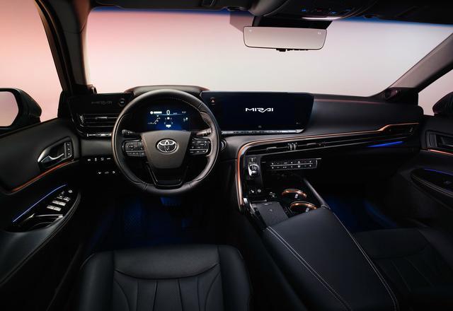 豐田全新B級車曝光, 比雷克薩斯ES更寬, 配一體式貫穿大屏-圖8