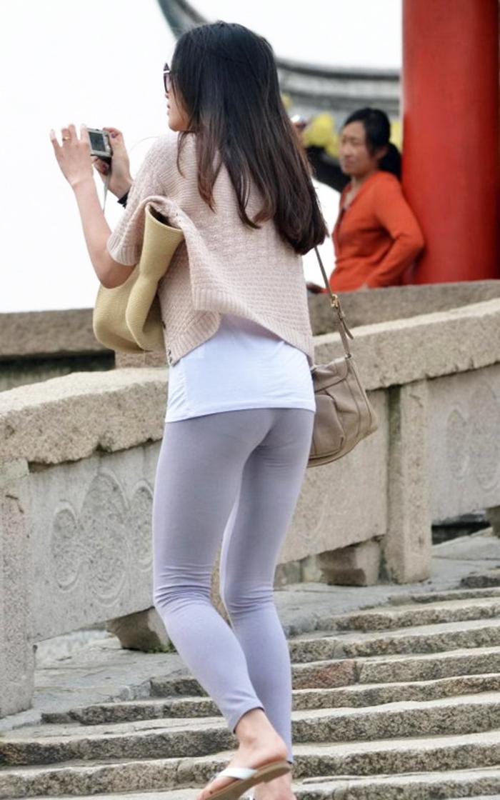 有人说不要穿打底裤? 有臀你穿什么都行
