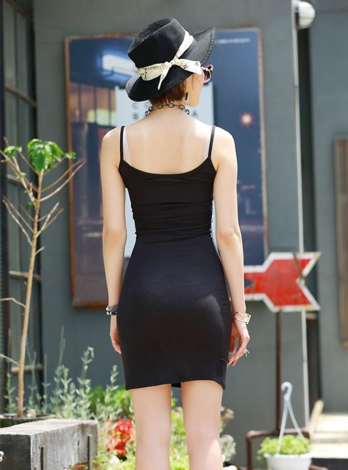 街拍吊带连衣裙, 这小身材第二天容易起不来床 6