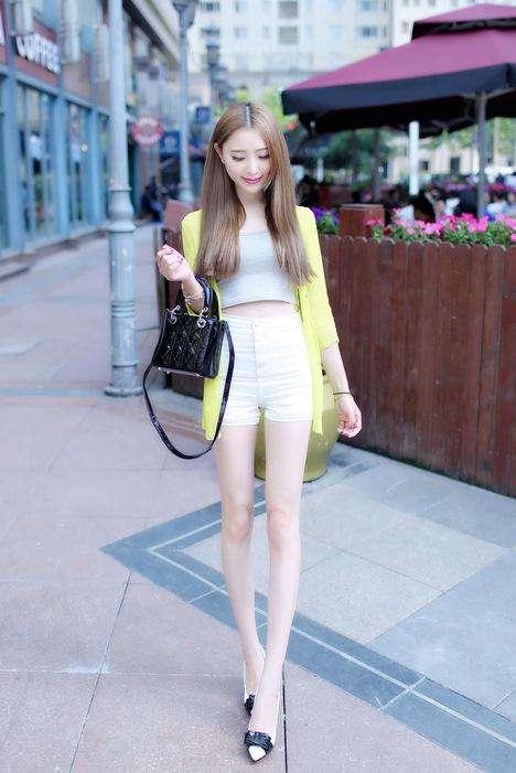 聪明的姑娘在夏季会选择短裤的, 青春减龄又时尚 3