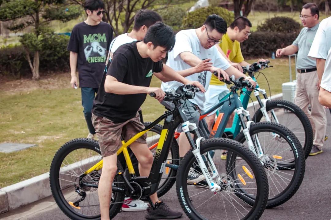 雅迪推出新款電踏車, 配備350W中置電機, 續航120km!-圖2