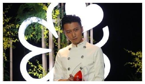 謝霆鋒時隔4年再拿米其林廚師大獎, 發文稱: 做菜太好玩瞭-圖1