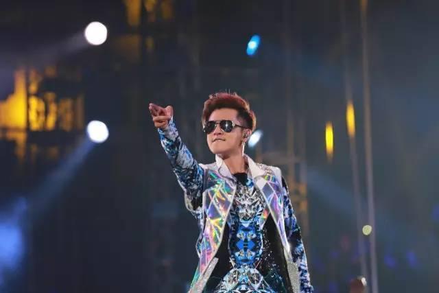 罗志祥2018疯狂世界巡回演唱会即将在佛山开唱 被称为: 「亚洲全方位流行天王」