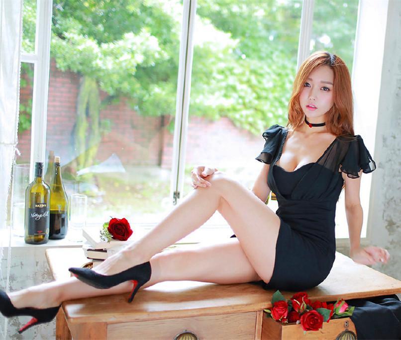我最喜欢女票穿这的这套黑色连衣裙, 走在接上倍有面子 6