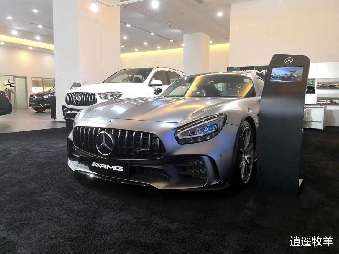2019款奔馳AMG-GTR(啞光灰)解析: 它不愧是一臺婀娜多姿的轎跑車-圖1