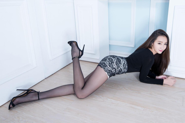 经典的黑色丝袜, 女人的爱穿, 男人爱看!