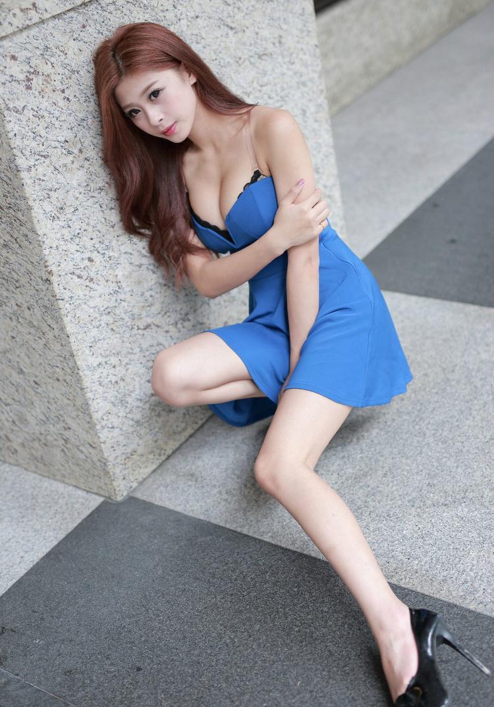 时尚连衣裙让美女的魅力绽放, 美丽吸引目光