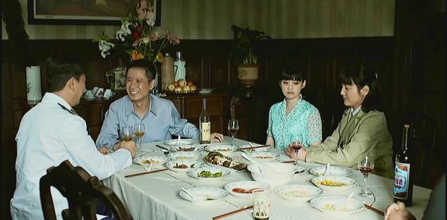 《父母愛情》江德福的結婚報告獲批後去安傢扛袋面粉, 有何隱喻?-圖5
