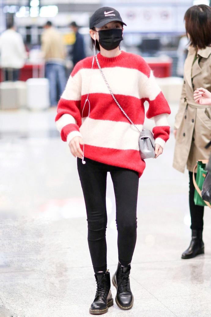 秋冬搭配太过沉闷? 穿上了这抹红, 谁的搭配最得你心呢?
