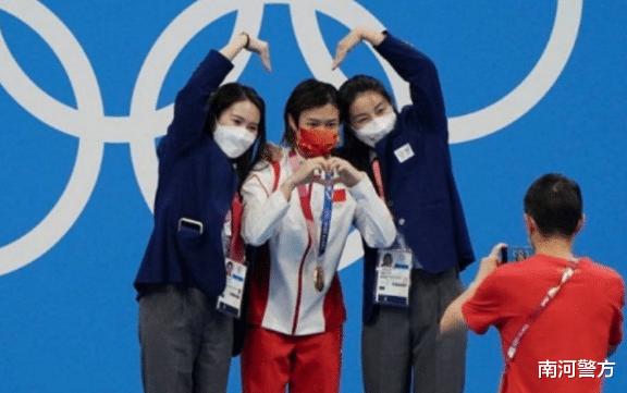 這是中國跳水夢之隊的傳承! 郭晶晶、陳若琳、施廷懋同框比心合影-圖3