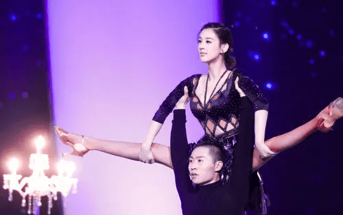 """同為""""星女郎"""", 林允如今紅得發紫, 而她卻炒瞭3年的""""冷飯""""-圖5"""