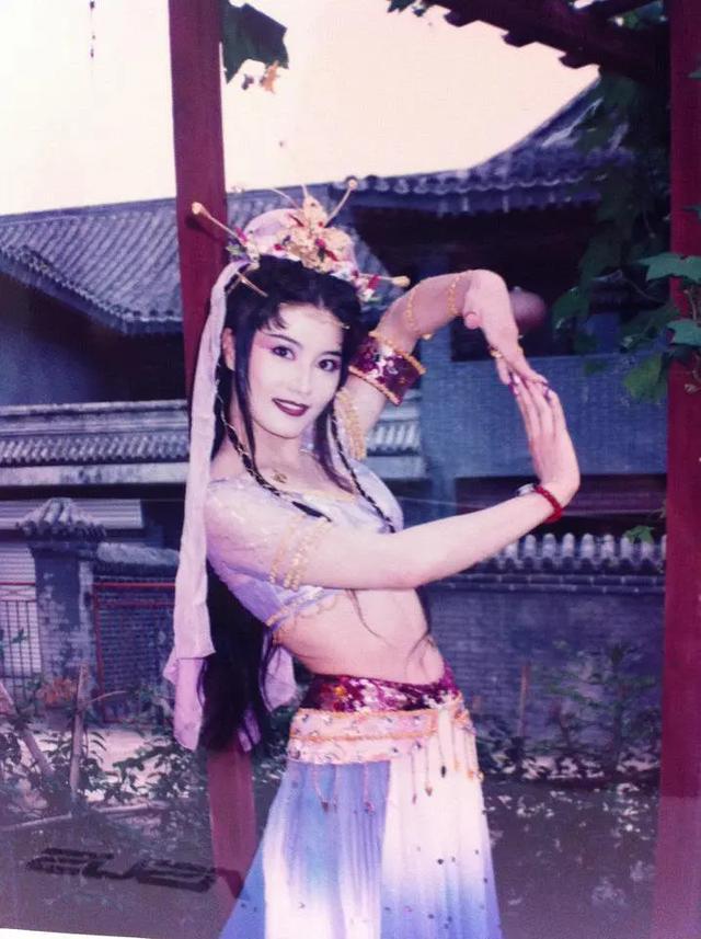 曾經50歲飾演少女紅拂, 驚為天人, 如今單身40年仍然美出圈-圖7