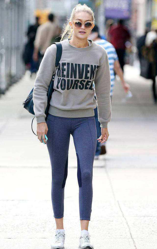 显出大长腿就这么简单, 超模教学裤子穿法 8