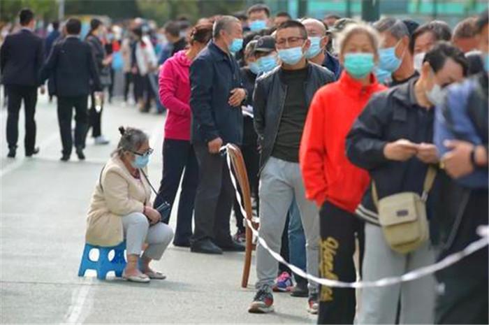 青島疫情源頭在哪?10月13日青島傳來好消息,307萬檢測結果出來瞭-圖1