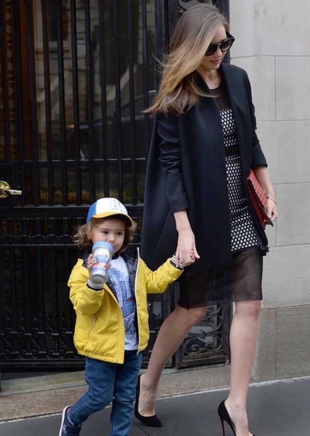 超模米兰达可儿宣布怀二胎, 辣妈时尚在她身上绝对是真理 5