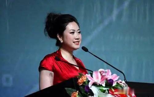 43歲芙蓉姐姐近照曝光, 曾是網紅鼻祖, 如今身價千萬氣質很優雅-圖8