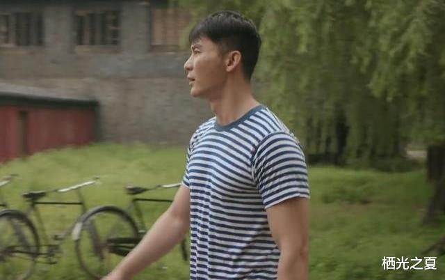 42歲的李晨飾演高中生, 一身腱子肉讓人不忍直視!-圖3