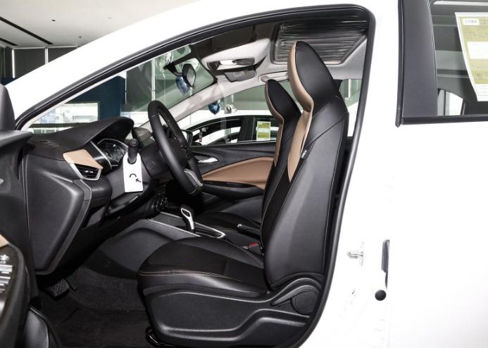 雪佛蘭科沃茲最新款, 125馬力配6AT, 油耗4.9L, 5.19萬就可買丐版-圖7