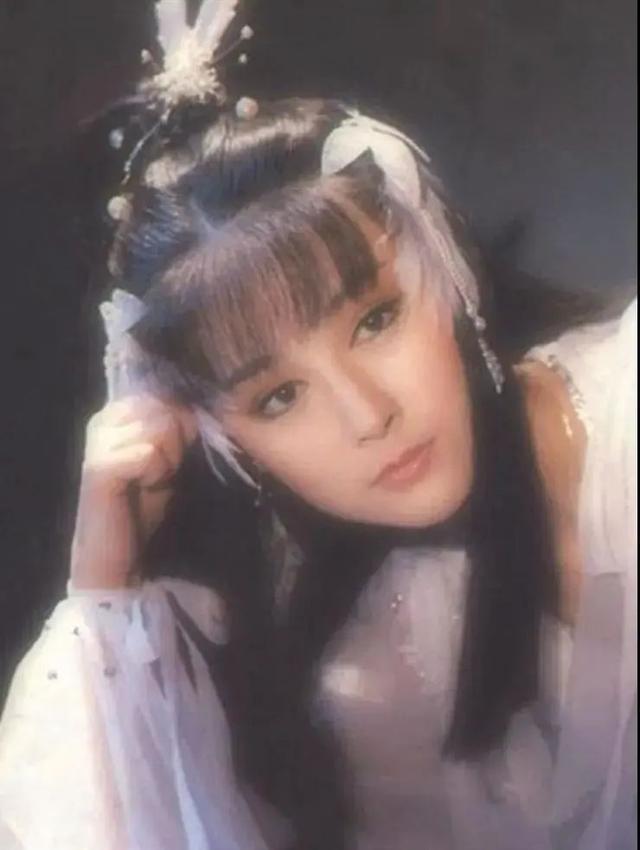 曾經50歲飾演少女紅拂, 驚為天人, 如今單身40年仍然美出圈-圖9