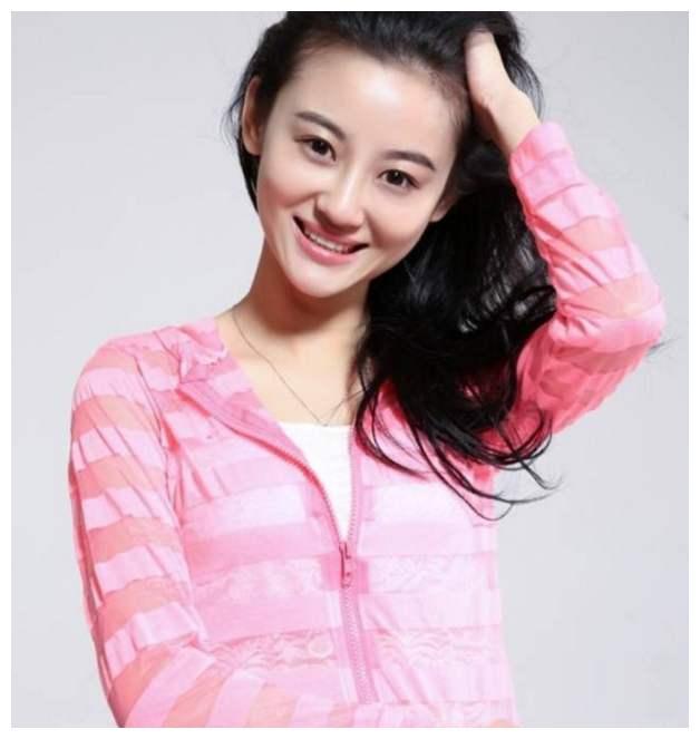 """她被譽為""""小趙雅芝"""", 曾被傢人吸血8年, 26歲患癌全身潰爛而死-圖4"""