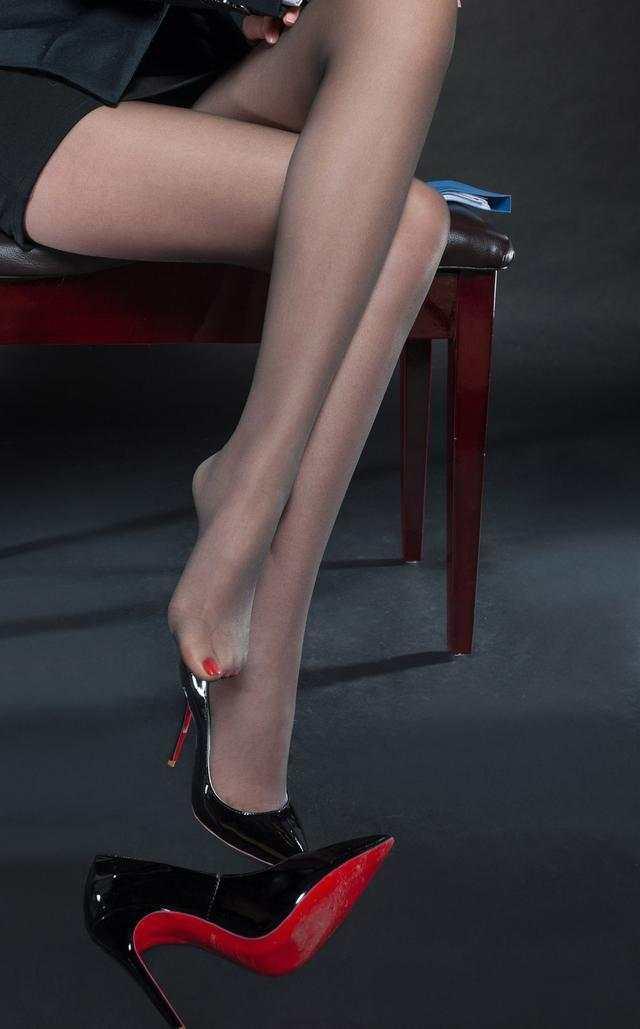 姑娘的美腿, 遇见丝袜之后才能有效的发挥出来 3