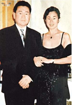 5次拒絕劉鑾雄的求婚, 卻甘願為60歲富翁生孩子, 她到底圖什麼?-圖4