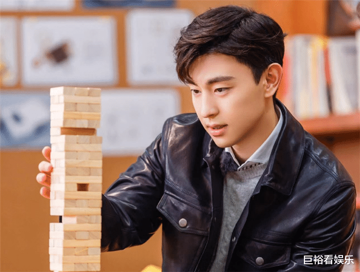 """目前""""最火""""男演員公佈: 肖戰跌至第3, 榜首竟是23歲的他!-圖2"""