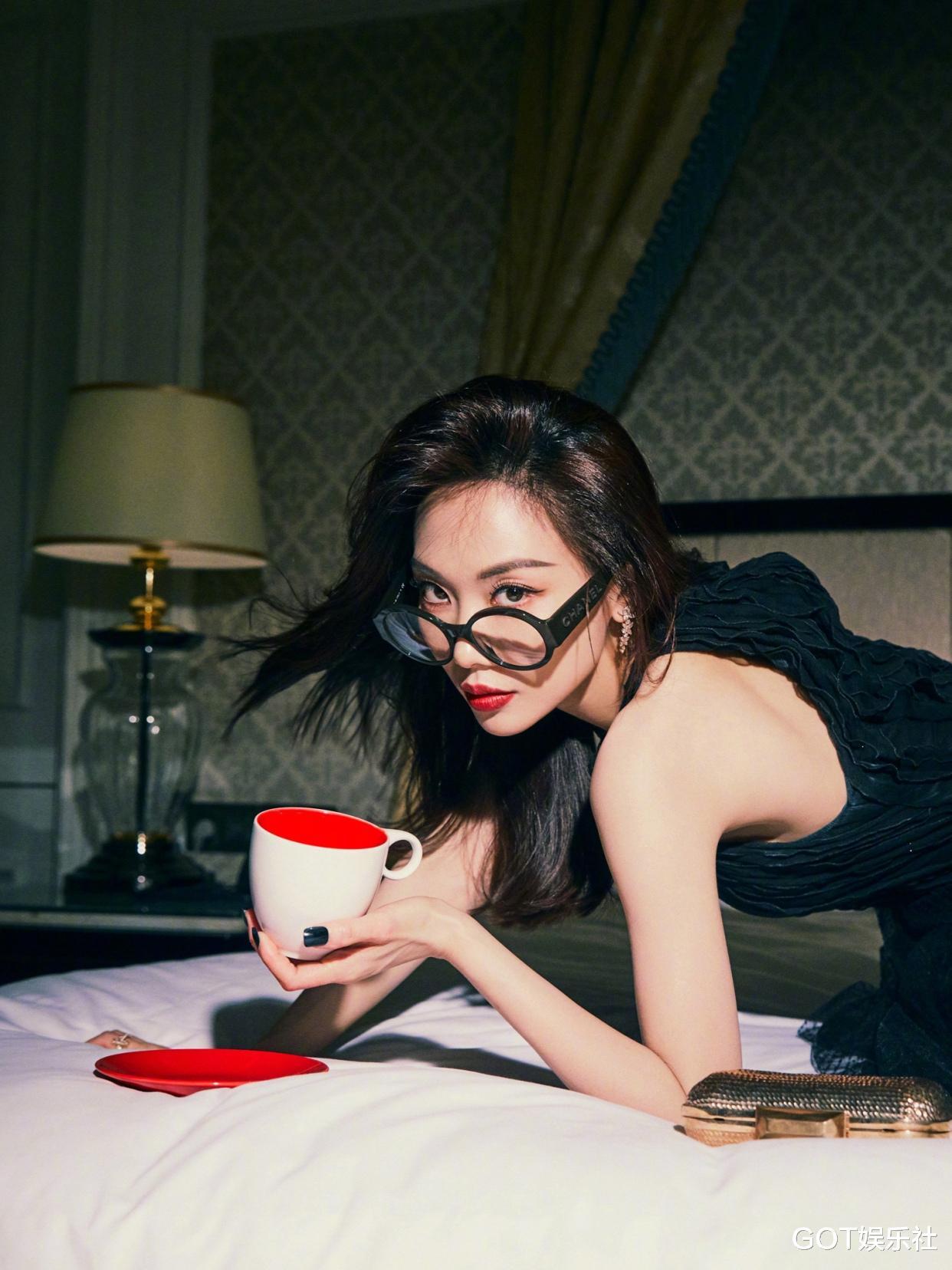 風尚大典明星造型來瞭! 楊冪黑白兩套禮服, 唐嫣天鵝公主裙驚艷-圖11