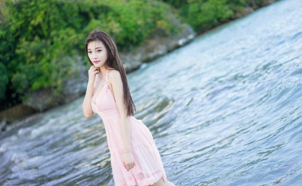 清新时尚吊带裙尽显迷人姿态, 裙袂飘飘! 4