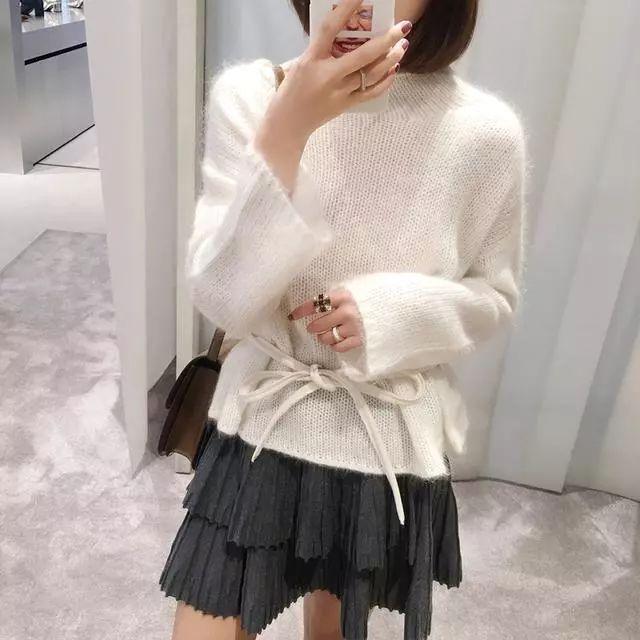 会穿的女人不再穿打底衫或者针织衫, 因为今年流行打底裙, 真洋气 2