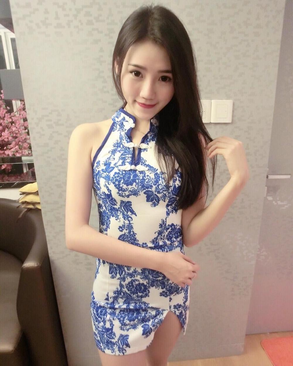 唯美青花旗袍 彰显女性完美气质