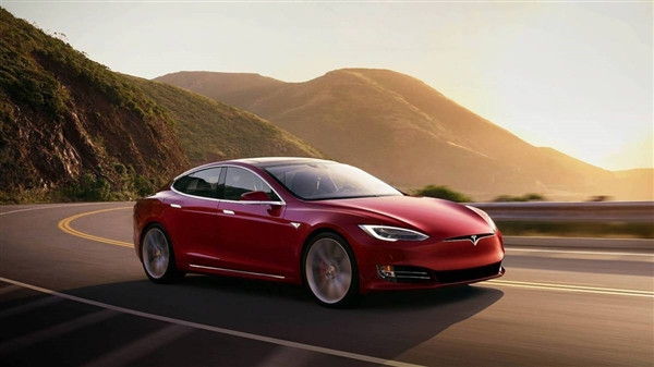 特斯拉: Model S長續航版/高性能版均降價人民幣2.3萬元-圖2