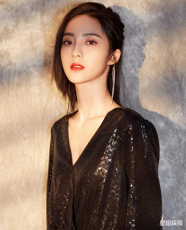被星探挖掘簽約楊天真公司, 3年演瞭6部女主劇, 新戲還搭檔林彥俊-圖2