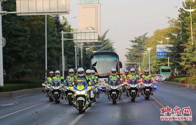 致敬 鄭州交警最高規格護航全省抗疫英雄-圖2