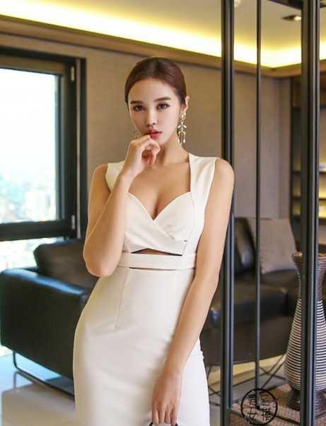 优雅抹胸白裙, 清新性感魅力无限