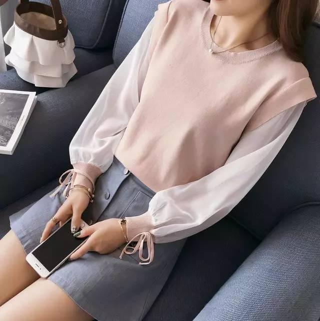 姑娘, 别再穿过时的打底衫了, 现在流行这几款, 不薄不厚刚刚好