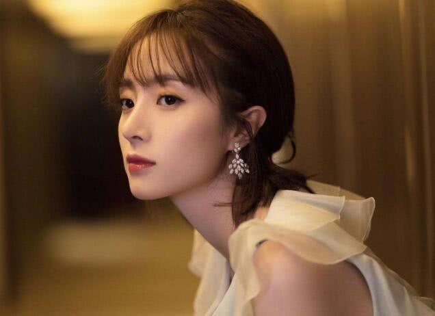 """娛樂圈中""""捧不紅""""的4大女星, 景甜上榜, 最後一位最可惜-圖3"""