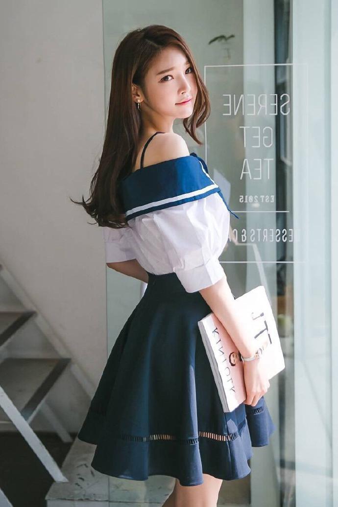 短裙穿着随性自然, 优雅时尚有活力 5