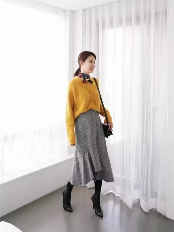 身材娇小不好搭衣? 快来围观时尚博主们是如何在冬季用毛衣凹造型的吧! 1