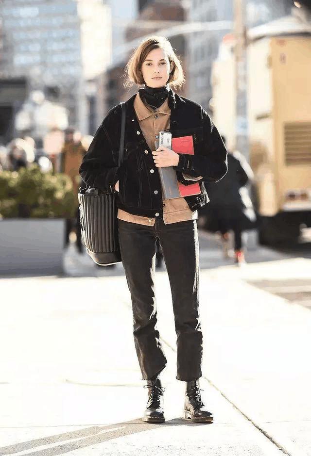 穿上马丁靴, 街头感帅气十足